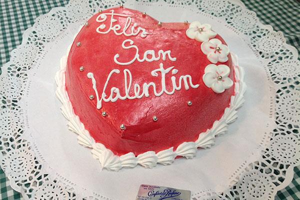 Corazón tarta San Valentín Confitería Rufino Aracena