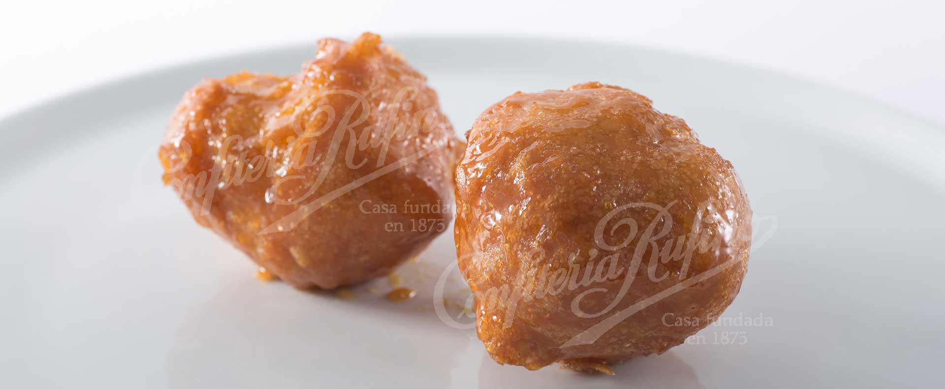 Buñuelo de viento dulce frito Semana Santa Confitería Rufino Aracena
