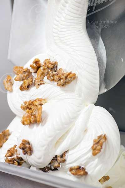 helado nata y nueces artesano Confiteria Rufino Aracena
