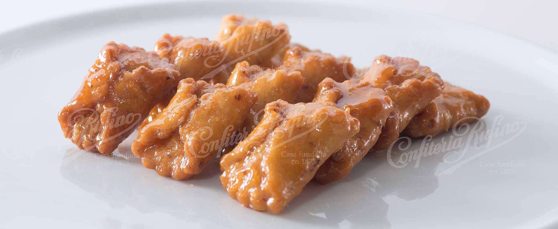 Pestiño dulce frito de la Semana Santa Confitería Rufino Aracena