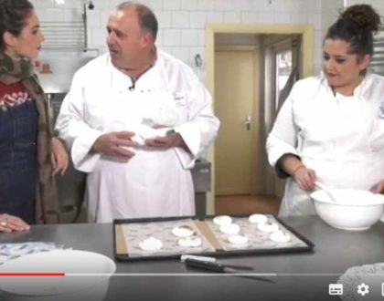 El programa 'Andalucía de Fiesta', de Canal Sur TV, conoce nuestras setas de merengue para el otoño