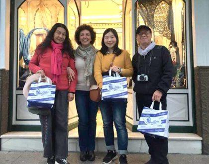 La televisión de China conoce de primera mano los pasteles artesanos de Confitería Rufino